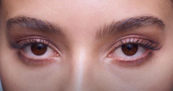 review-phan-mat-oriflame-co-tot-khong-nubeauty-4