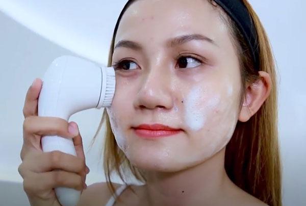 review-may-rua-mat-oriflame-co-tot-khong-nubeauty-2
